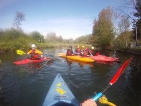 Knapp 2km Anfahrt auf ruhigem Gewässer zur Wildwasserstrecke, Hildesheim Mai 2016
